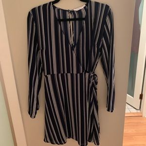 NWOT Lush Striped Wrap Dress White/Navy